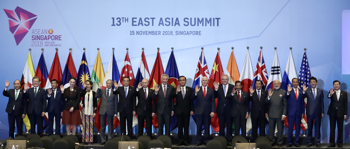 Hon'ble Prime Minister with leaders of EAS countries at Plenary Session of 13th East Asia Summit in Singapore
