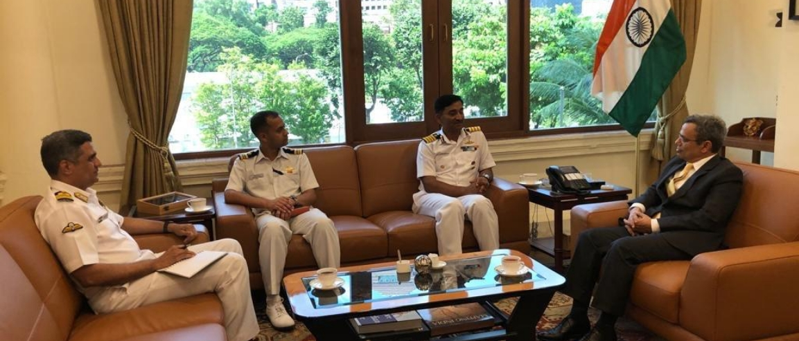 Commanding Officer of ICGS Shaunak called on the High Commissioner.